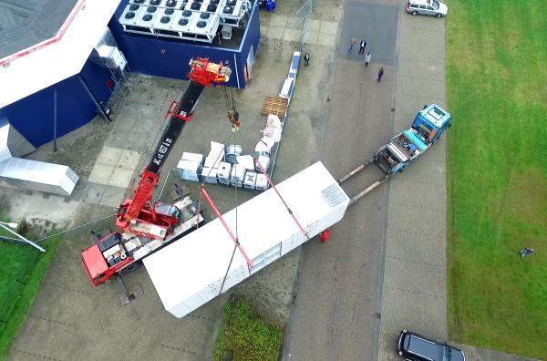 Ned Air luchtbehandelingskast op speciaal transport bij ijsbaan Dronten