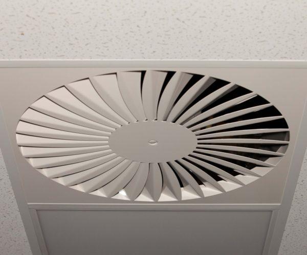 Ned Air Schoolventilatie boven het verlaagd plafond
